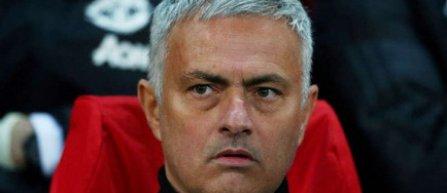 Manchester United l-a concediat pe antrenorul José Mourinho