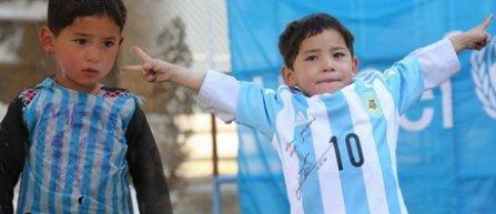VIDEO | Un baietel afgan, fan al lui Messi, si-a intalnit eroul