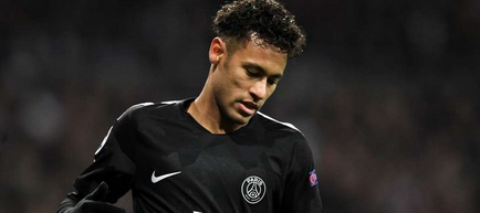 Neymar a anunţat că rămâne la Paris SG