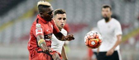 Dinamo anunta despartirea de Patrice Feussi si Gabriel Abraham