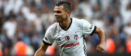 Pepe le-a dat angajaţilor clubului Beşiktaş o mare parte din primele din acest sezon