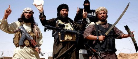 Un pusti irakian, fortat de membrii ISIS sa-s taie sigla clubului Real Madrid de pe tricou