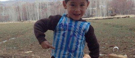 Familia copilului din Afganistan caruia Messi i-a daruit un tricou, fortata sa-si paraseasca tara