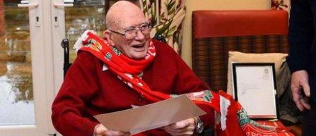 Cel mai în vârstă suporter al lui Liverpool, invitat să asiste la meciul cu Crystal Palace