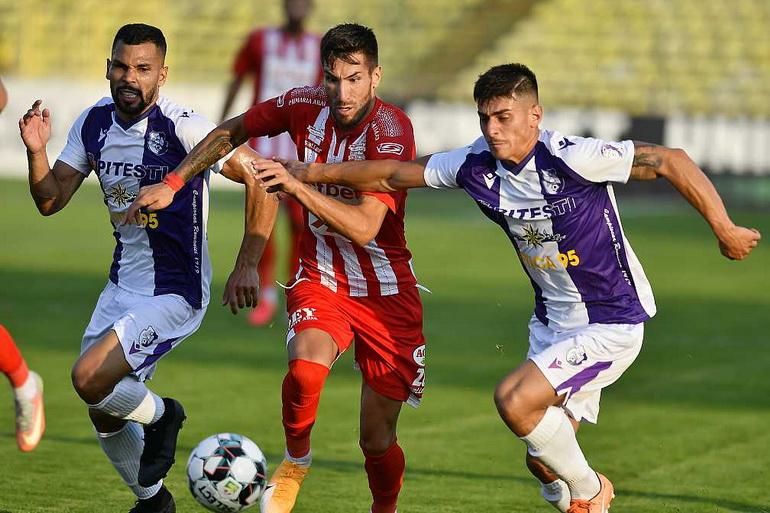 Poze FC Argeș Pitești - FCM UTA Arad