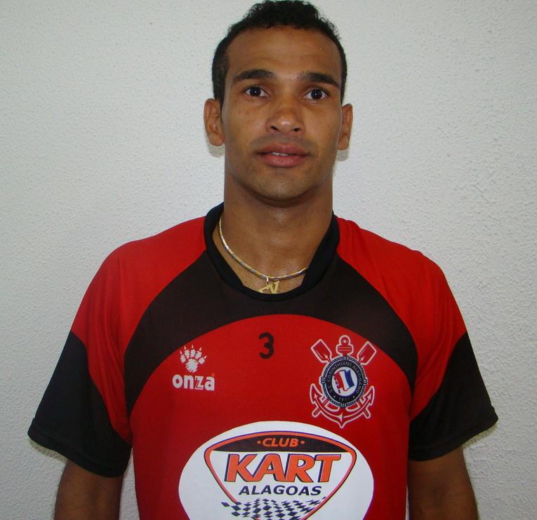 EZEQUIAS Roosevelt Tavares de Melo