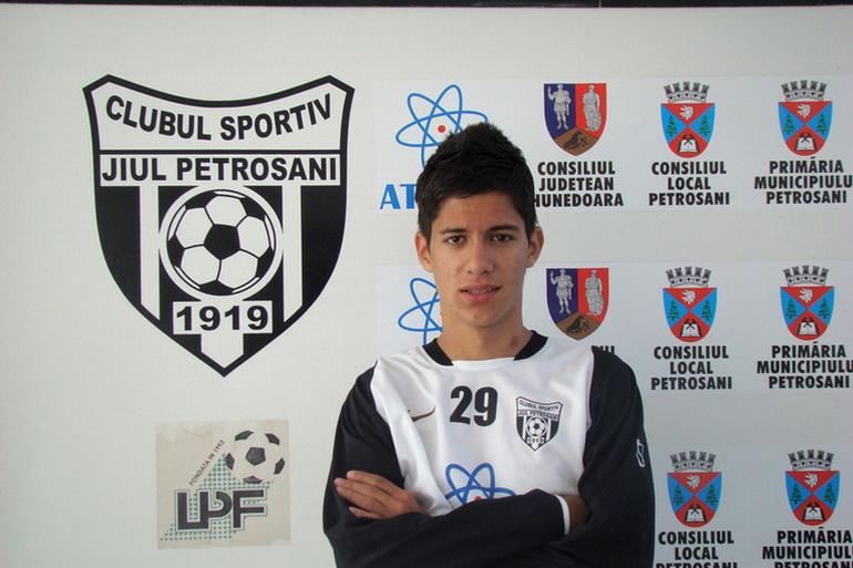 Poza Daniel Petru VĂDRARIU
