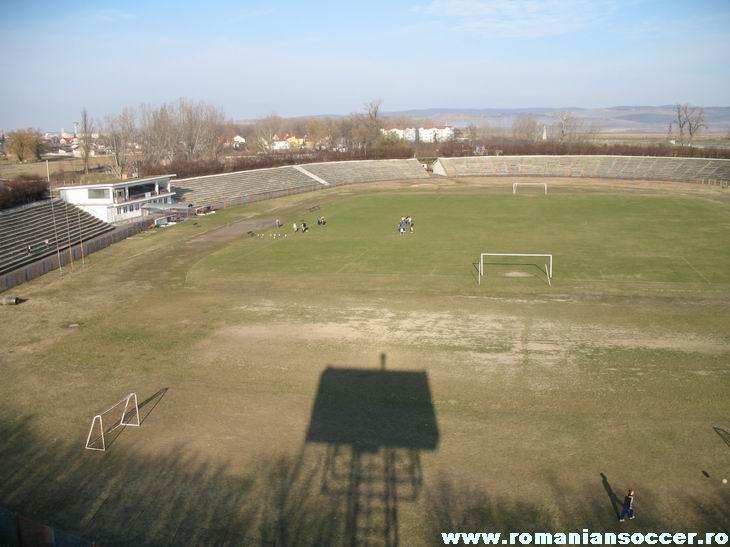 LAMINORUL ROMAN Roman_stadium_05